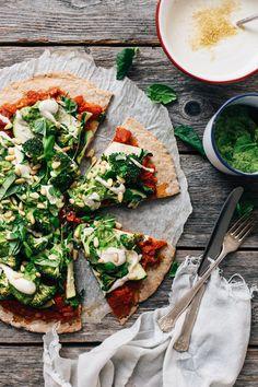 Chia Pizza w/ Cashew Cheese & Avocado Pesto (vegan + gluten-free) | tuulia blog