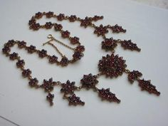 Starožitný náhrdelník s českými granáty