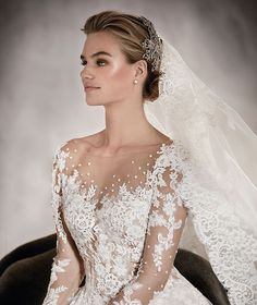 ARLENE - Princess wedding dress fitted at the waist and with a bateau neckline | Pronovias