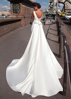 Charming Satin Bateau Neckline Mermaid Wedding Dresses With Detachable Train