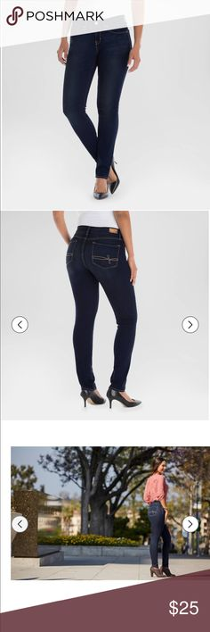 🎉Denizen from Levi's Curvy Skinny Jeans. 🎉 Worn once.  In great condition. Super stretchy denim.  Shapes to your waist, no gaping.  Design to fit and flatter your curves. 74% Cotton, 23% Polyester, 3% Elastane. Machine wash cold. Size 18M Levi's Jeans Skinny