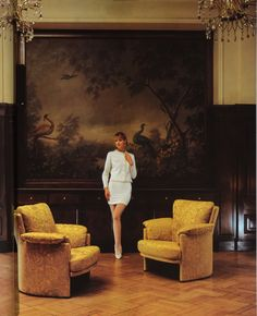 Our sepia armchairs make a good impression everywhere. #history #throwback #rolfbenz #sofa