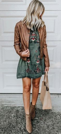 Outfits and flat lays we fell in love with. See more ideas about Casual outfits, Cute outfits and Fashion outfits. Fashion Trends, Latest Fashion Ideas and Style Tips. Mode Outfits, Fall Outfits, Fashion Outfits, Womens Fashion, Brown Skirt Outfits, Spring Outfits Women Casual, Night Outfits, Spring Summer Fashion, Autumn Fashion