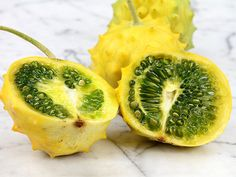 Round version of our popular Jelly Melon. Fruit is about in diameter, covered in intriguing points. Flesh is juicy, sweet and delicious. Colorful Vegetables, Fruits And Veggies, Melon Recipes, Plants For Raised Beds, Organic Mulch, Fruit Seeds, Pepper Seeds, Thing 1, Garden Seeds
