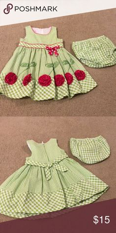 Toddler girl gingham dress Adorable toddler girl gingham dress perfect for the Spring! No stains or signs of wear and tear. From a smoke/pet from home. Room Swing, Gingham Dress, Fashion Design, Fashion Tips, Fashion Trends, Toddler Girl, Kids Shop, Stains, Smoke