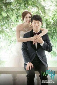 Park Ji-Heon [VOS] (singer) & his bride