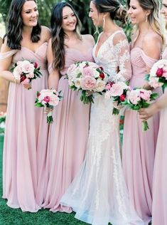 A Bright and Lively Desert Wedding for a Couple With an Unforgettable Love Story Bridesmaid Proposal, Bridesmaid Dresses, Bridesmaids, Perfect Wedding, Fall Wedding, Wedding Bouquets, Wedding Dresses, Bridal Beauty, Unique Weddings