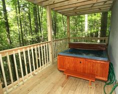 Aunt Carol's Cabin TR#40 in Gatlinburg, Tennessee: Hot Tub
