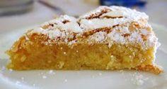 Ingredientes: 5 ovos 250 gr de açúcar 250 gr de amêndoa 1/2 colher(café) de canela raspa de meio limão açúcar em pó q.b. (cobert...