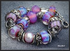 Aurora, such a beautiful diverse bead 💜 Troll Beads, Murano Glass Beads, Jewelry Companies, Jewellery Making, Aurora, Jewlery, Bubbles, Bracelets, Beautiful