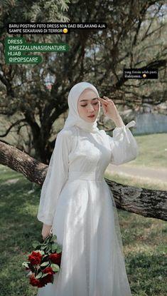 Hijabi Wedding, Wedding Hijab Styles, Kebaya Wedding, Muslimah Wedding Dress, Hijab Bride, Modest Fashion Hijab, Korean Fashion Dress, Casual Hijab Outfit, Muslim Fashion