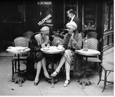 Maurice-Louis Branger, Terrasse de café Paris 1925. Source
