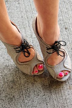 16e139ad30ab0 Choosing beautiful sandals, espadrilles, flats or fabulous chic heels, the  mixing of