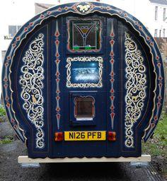 Gallery of Greg& Gypsy Bowtop Caravans. Images taken at festivals and events. Gypsy Caravan, Gypsy Wagon, Caravan Paint, Gypsy Culture, Gypsy Living, Bus Life, Mobile Art, Happy Trails, Caravans