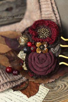 """Заколки ручной работы. Ярмарка Мастеров - ручная работа. Купить Гребень """"Зимние ягоды"""". Handmade. Гребень, бордо, камни натуральные"""