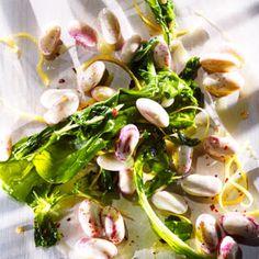 Warm Borlotti Bean & Arugula Salad Recipe Nuttier than pinto beans, borlotti beans make this Italian dish especially tasty Healthy Food Swaps, Healthy Salads, Healthy Eating, Healthy Recipes, Dry Beans Recipe, Cranberry Beans, Arugula Salad Recipes, Dried Beans, Italian Dishes