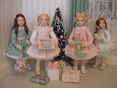 These 4 girls are all created from china-painted porcelain and are 3 inches high. by Debbie Dixon-Paver Miniature Dollhouse Accessories, Miniature Dolls, Victorian Dolls, Vintage Dolls, Felt Dolls, Doll Toys, Dollhouse Dolls, Dollhouse Miniatures, Barbie