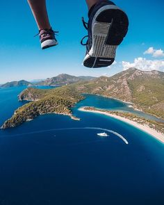 @buraktuzer walking on air while paragliding over Turkey @GoPro