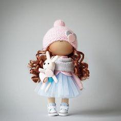 Нежность зефирная 💖💙 #ad_homedecor #home #handmade #homedecor #love #ручнаяработа #авторскаяработа #кукла #дизайн #интерьер #fiori_ua #knitting ПРОДАНА