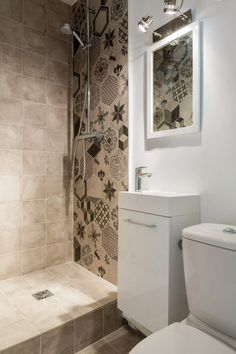 Amazing Small Bathroom Storage Ideas on a Budget Bathroom Renos, Bathroom Layout, Bathroom Storage, Small Bathroom, Master Bathroom, Modern Bathroom, Home Interior, Bathroom Interior, Interior Design