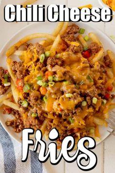 Chilli Recipes, Potato Recipes, Enchiladas, Chilli Cheese Fries, Crockpot, Greek Yogurt Recipes, Homemade Chili, Appetizer Recipes, Sandwich Recipes