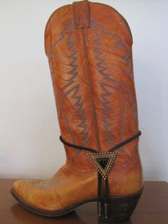 Boot Jewlery by wohelo on Etsy, $12.00