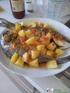 Spigole all'acqua pazza Bimby con patate, ancora un tuffo nel mare blu con questa ricetta molto estiva...un pasto completo e nutriente! Ingredienti: 2 ...