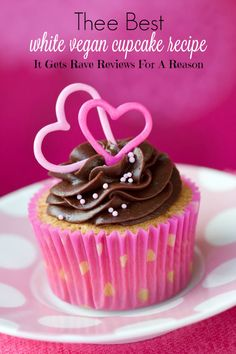 This is by far thee best white cupcake recipe. They get rave reviews for a reason! Bakerette.com #dessert #vegan