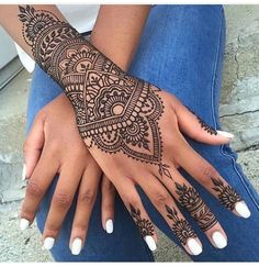 Amazing Advice For Getting Rid Of Cellulite and Henna Tattoo… – Henna Tattoos Mehendi Mehndi Design Ideas and Tips Henna Tattoo Designs, Tattoo Henna, Henna Designs Easy, Mehndi Designs, Easy Henna, Mandala Tattoo, Lotus Tattoo, Tattoo Pain, Butterfly Tattoos