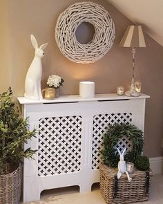 Cosy hallway - radiator cover allows space for soft furnishings Home Decor Near Me, Diy Home Decor, Modern Bedroom Design, Home Interior Design, White Radiator Covers, Cottage Hallway, Home Radiators, White Hallway, Cosy Room