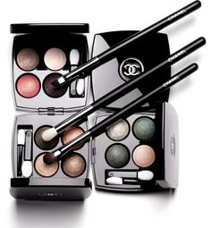 Chanel Les 4 Ombres Tissé Well now, this is a lovely sight for tired beauty eyes! Chanel is releasing eight new Les 4 Ombres for 2014 all based around icon Beauty Inside, Beauty Make Up, My Beauty, Beauty News, Beauty Bar, Beauty Trends, Beauty Hacks, Maybelline, Makeup Lessons
