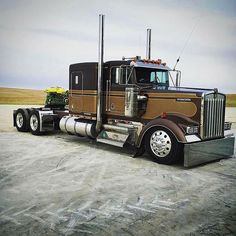old chevy trucks Show Trucks, Big Rig Trucks, Lifted Trucks, Old Trucks, Vintage Trucks, Custom Big Rigs, Custom Trucks, Peterbilt Trucks, Chevy Trucks