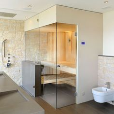 Fireplaces or walls are also no obstacle and are simply placed in the sauna . Even chimneys or walls are no obstacle and are easily integrated into the sauna layout. Modern Saunas, Bathroom Layout, Bathroom Interior, Modern Bathroom, Bathroom Ideas, Sauna House, Sauna Room, Bio Sauna, Architecture