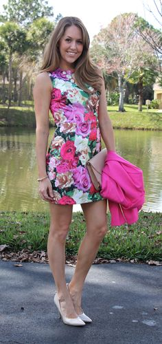 Love the oversized floral print. Cute for spring.  Maybe different color for fall.