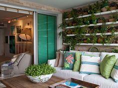 MOSQUEIRO Portas coloridas na decoração: veja dez ambientes inspiradores - Notícias - Casa GNT