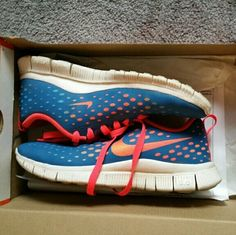 Nike free express Size 6Y fits womens 7-7.5 . In great condition. Only worn a few times Nike Shoes Athletic Shoes