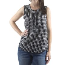 http://imaginegnats.com/shop/hey-june-handmade-biscayne-blouse-digital-pattern/