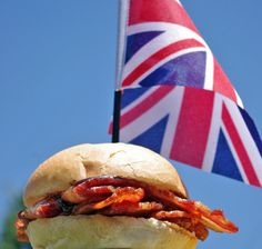 The Great British Bacon Butty - Bacon Sandwich - Speck Uk Recipes, Great Recipes, Recipies, Favorite Recipes, Bacon Sandwich Recipes, British Dishes, Sandwiches, Smoked Bacon, Bon Appetit