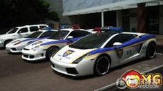 Fast Supercars | Korean Police get a Lamborghini, Ferrari and a Porsche!