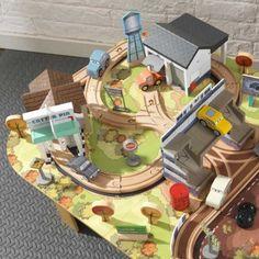 Disney® Pixar Cars 3 Eisenbahnset & Spieltisch Thomasville