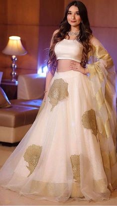 Indian Gowns Dresses, Indian Fashion Dresses, Indian Designer Outfits, Fashion Outfits, Stylish Dresses For Girls, Stylish Dress Designs, Bridal Lehenga Collection, Designer Party Wear Dresses, Designer Bridal Lehenga