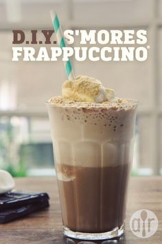 D.I.Y S'mores Frappuccino | A frosty blended drink that will remind you of campfire s'mores.