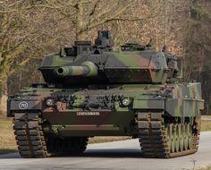 Battle Tank, Military Equipment, German Army, Cold War, Military Vehicles, Diorama, Tanks, Drawings, Modern Warfare