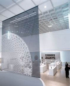 Changing Hands : Art Without Reservation at the Museum of Arts and Design