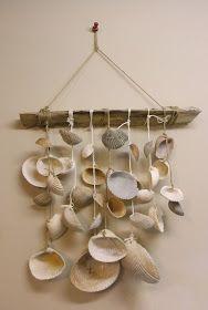 Trina is artsy fartsy: The Sea Shell Wind Chime Seashell Wind Chimes, Seashell Art, Seashell Crafts, Beach Crafts, Diy And Crafts, Arts And Crafts, Driftwood Crafts, Idee Diy, Artsy Fartsy