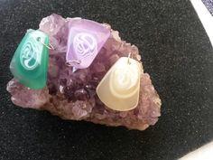 Thick heavy plastic swirl design pendants #newjewlz #hempjewlz #hemp #jewelry #pendant #thick #swirls #green #purple #cream