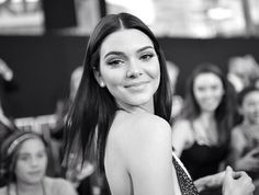 Kendall Jenner at the AMAs november 2014 L.A., California red carpet