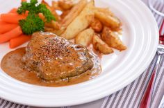 Pippuripihvit ja valkosipuli-kermaperunoita Home Food, Steak, Pork, Food And Drink, Healthy Recipes, Chicken, Baking, Dinner, Vegane Rezepte