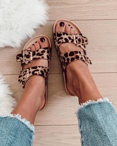 "Shoes, Fashion, Shoe boots, Fashion shoes, Accessories shoes, Cute shoes - Seamless FASHION ONLINESHOP on Instagram ""BACK IN STOCK   Wir haben unsere beliebte Bini Pantolette für Euch wieder aufgef -  #Shoes"