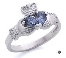 i would marry anyone that proposed to me with a claddagh ring. Claddagh Engagement Ring, Claddagh Rings, Engagement Rings, Moving To Ireland, Irish Rings, Irish Traditions, Pretty Rings, Wedding Planner, Jewelry Box